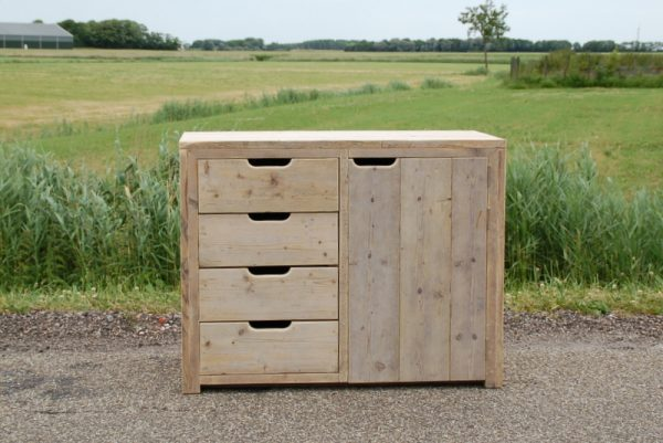 steigerhouten-commode-luts