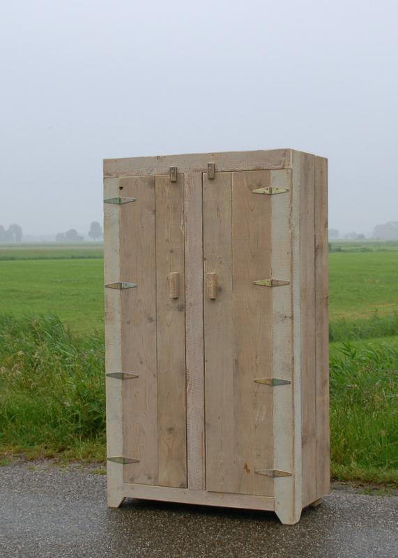 steigerhouten-2-deurs-kast-lije
