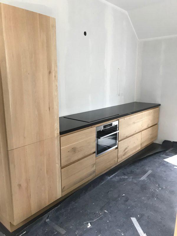 eiken keuken in aanbouw